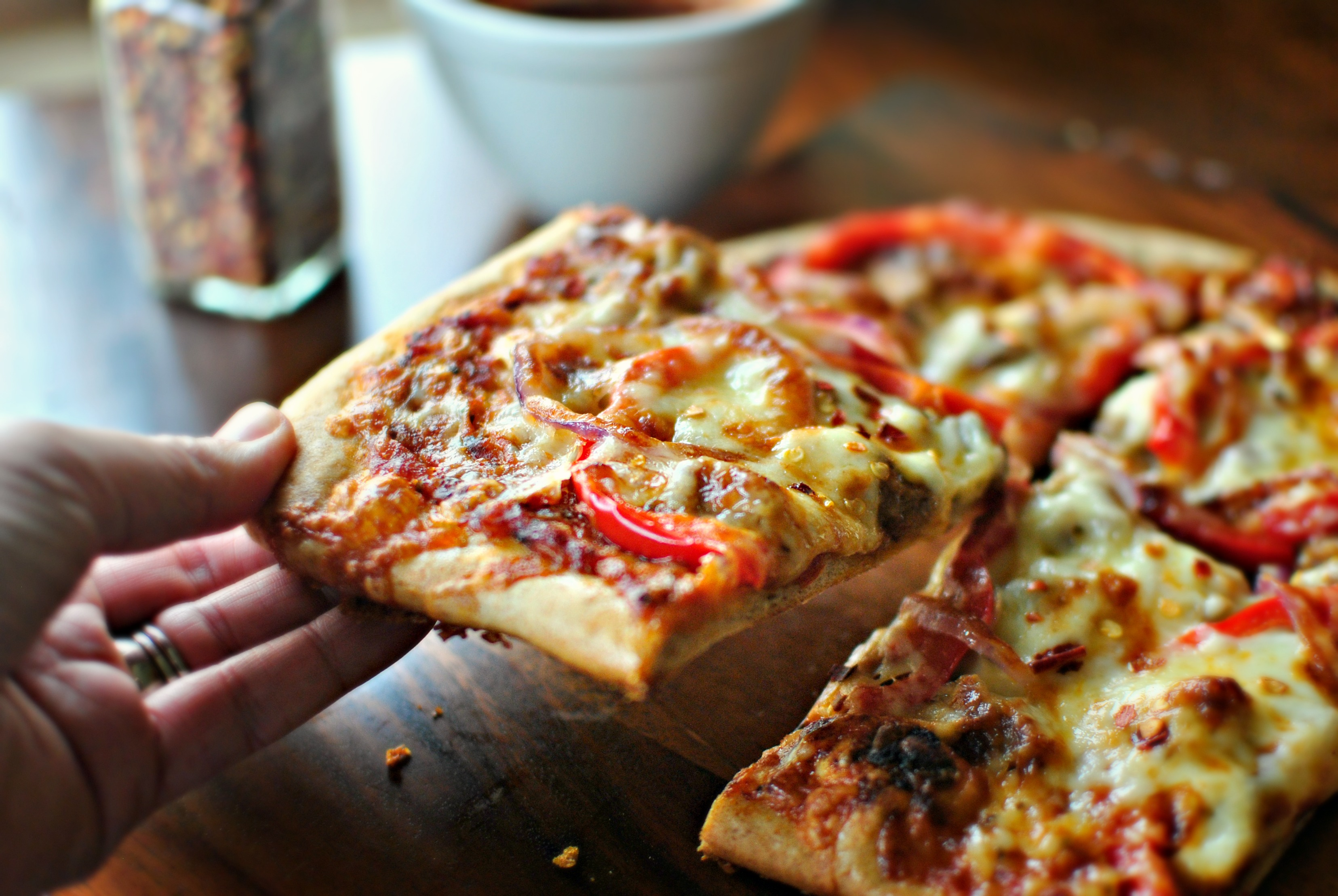 Delicious Pizza Recipe • Magali Vaz | Fashion, Lifestyle & Travel ...