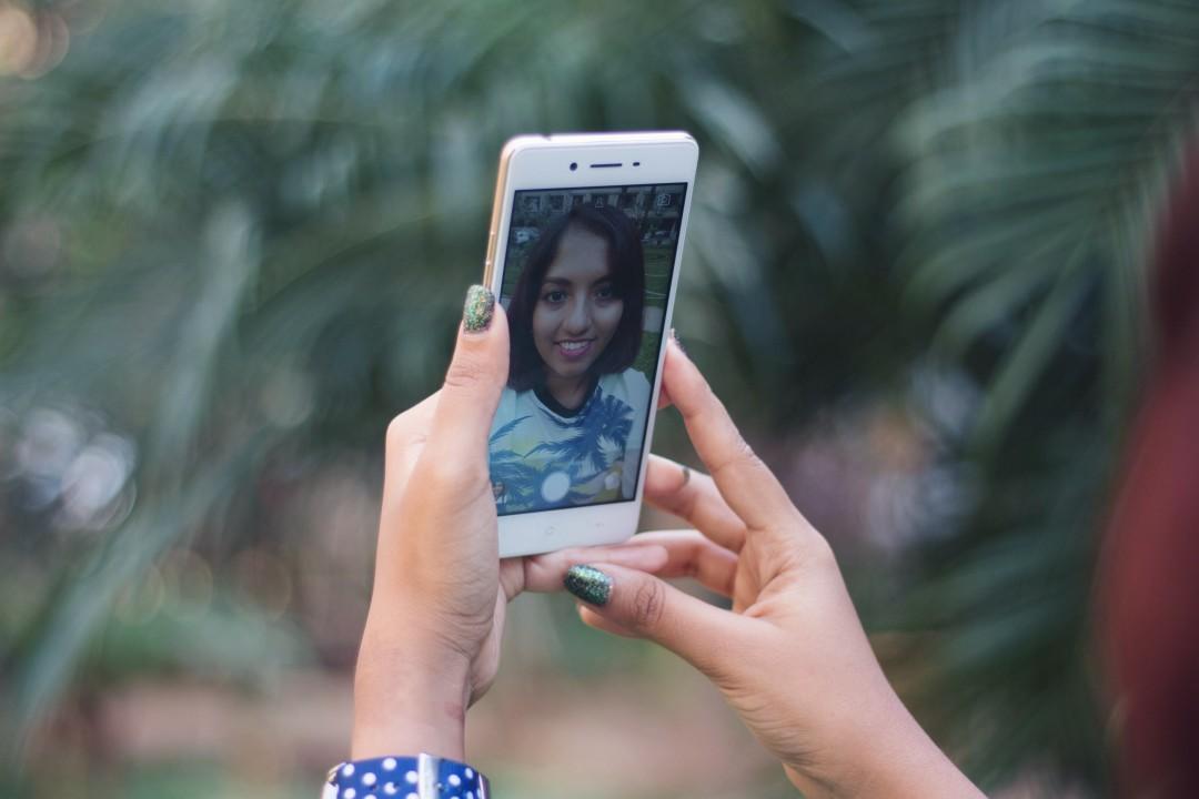OPPO X1 Selfie Expert